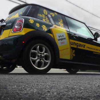 Wrap partiel d'une voiture Mini-Cooper de Ungava Premium Dry Gin